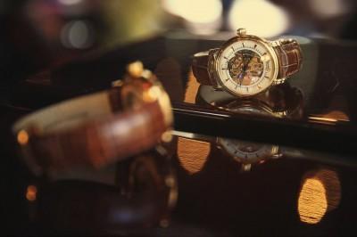 Cách lựa chọn đồng hồ nam cao cấp tại Hà Nội tránh hàng nhái