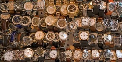 Những lưu ý đặc biệt khi chọn mua đồng hồ giá rẻ ở Hà Nội